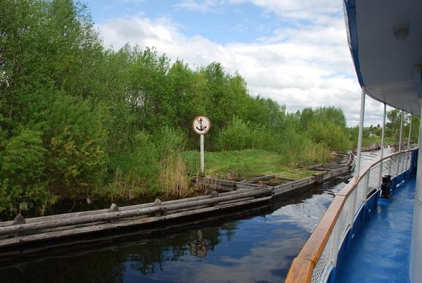На теплоходе по кишемскому каналу
