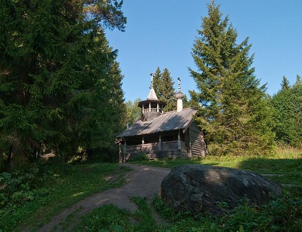 Деревянная часовня на горе Маура