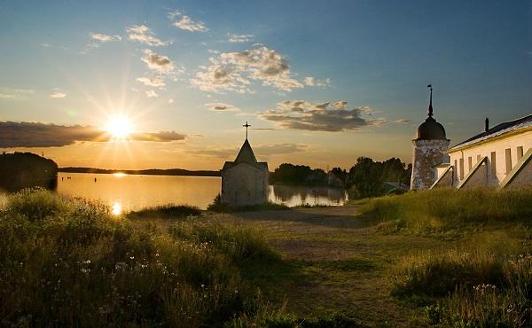 Закат в ГорицахФото: О. Щетнев