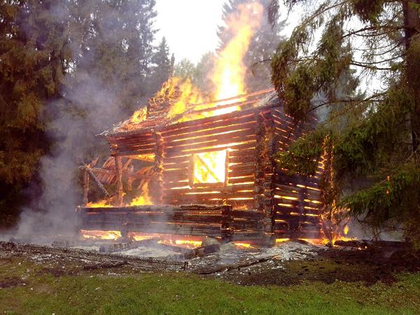 Объятая пламенем часовня